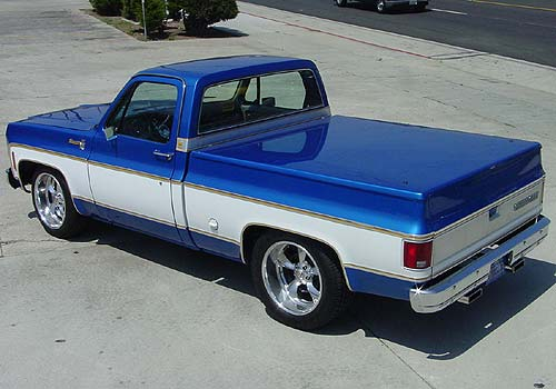 Classic_Chevy1500_BlueWhite.jpg